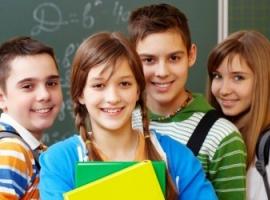 Як делікатно розпитати підлітка про школу