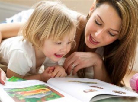 Чому в дитинстві так важливо слухати казки?