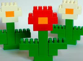 Перетворюємо на квіти великі блоки конструктора