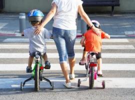 Безпека дітей на дорогах: дванадцять правил