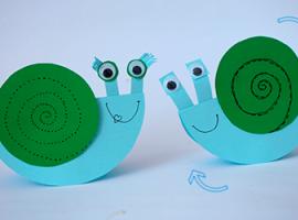 Веселі равлики — найпростіші іграшки для малюка