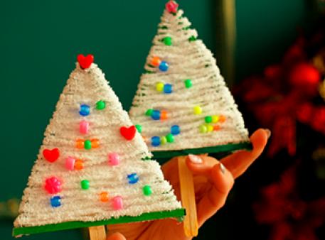 Ялинка з пряжі: створюємо новорічні декорації