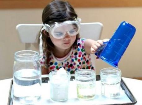 Чи безпечне раннє академічне навчання дітей?