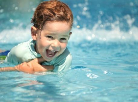 Як підготувати дитину до плавання