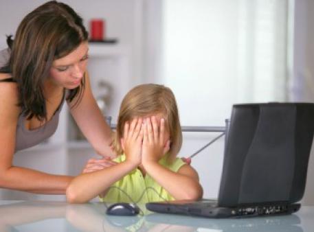 Як захистити дітей від кібернасильства