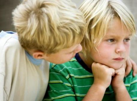Як дитині протистояти тиску однолітків