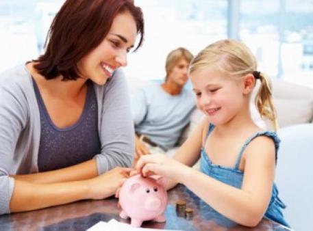 Бути дитині фінансово багатою чи бідною?